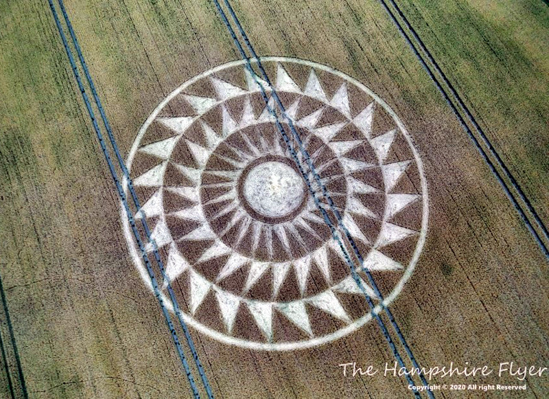 Crop Circles 2020 -  Woolstone Wells, Nr Uffington Castle, Oxfordshire Reported 9th August. 4c2a73eea3c1cc7d